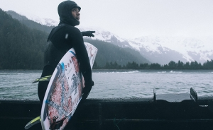Wetsuit Guide: When to wear booties, gloves and a hood